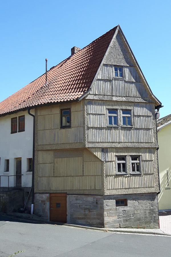 Geroda, Pfarrer-Schödel-Strasse 2 (Markt Geroda)